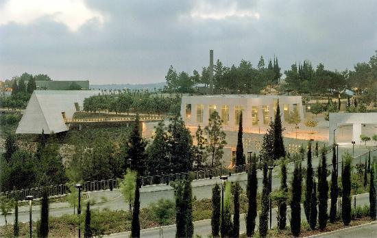 yad-vashem-holocaust.